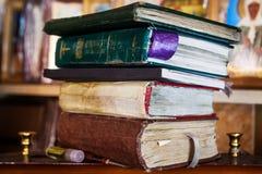Bücher auf dem Regal Lizenzfreies Stockbild