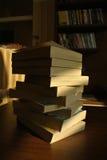 Bücher auf der Tabelle Stockfotos