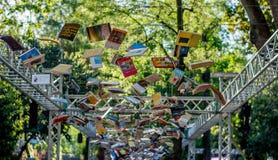 Bücher auf Himmel Lizenzfreie Stockfotografie