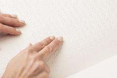 Bücher Blindenschrift Die Note Ihrer Fingerspitzen die Beschaffenheit des p Lizenzfreies Stockbild