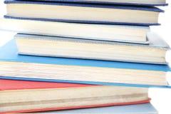 Bücher in einem Stapel Stockfotos