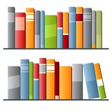 Bücher in Folge auf weißem Hintergrund Stockbilder