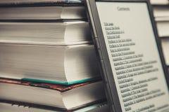 Bücher mit Eleser Lizenzfreie Stockfotos