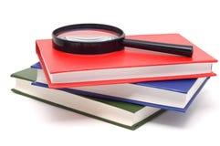 Bücher mit hellen Farbenabdeckungen. Lizenzfreie Stockbilder
