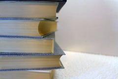 Bücher mit Kopienraum Lizenzfreie Stockbilder