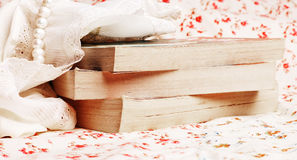 Bücher mit Kornen Lizenzfreies Stockfoto