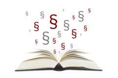Bücher mit Paragraphen stockbild