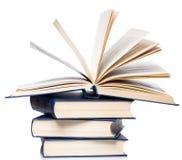 Bücher. Stapel alte Bücher auf weißem Hintergrund Stockfoto