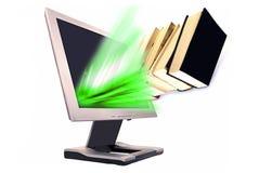 Bücher und Überwachungsgerät Stockfotos
