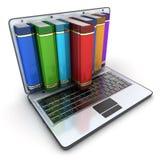 Bücher und Computer Stockfoto