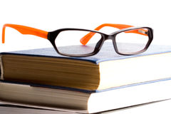 Bücher und Gläser Stockfoto