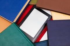 Bücher und Leser Stockfotos