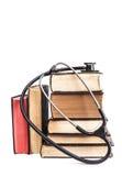 Bücher und Stethoskop Lizenzfreie Stockbilder