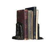 Bücher zwischen Buchstützen Stockbilder