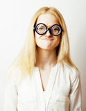 Bücherwurm, nette junge blonde Frau in den Gläsern, blondes Haar, Jugend, Lebensstilleutekonzept Lizenzfreie Stockbilder