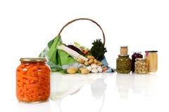 In Büchsen konservierte Karotten in einem Glas, Gemüse. stockfoto