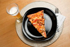 Büffel-Huhn-Pizza Stockfotografie