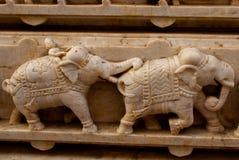 bügel Udaipur, Indien Fragmente von Wänden Die Bilder von Elefanten stockfotos