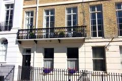 Bügeln Sie Balkon auf georgischem Reihenhaus, Brighton, Sussex, England stockbilder