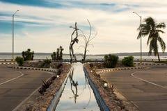 Bügeln Sie Skulptur auf dem Brunnen von Punta Gorda am Ende von Stockbild