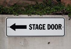 Bühnentürzeichen Stockfotos