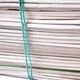 Bündel alte Zeitschriften lizenzfreie stockfotos
