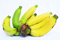 Bündel Bananen getrennt auf weißem Hintergrund stockbilder