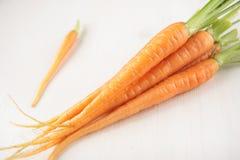 Bündel der kleinen Karotte Stockfotos