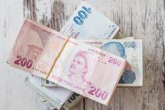 Bündel der türkischen Lira Stockfotos