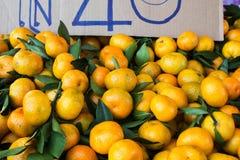 Bündel frische Mandarinen Lizenzfreie Stockfotografie
