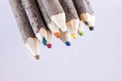 Bündel große natürliche farbige Bleistifte Stockbild