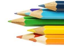 Bündel mehrfarbige Bleistifte Stockbilder