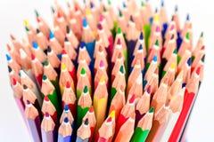 Bündel scharfe bunte Bleistifte Lizenzfreies Stockfoto