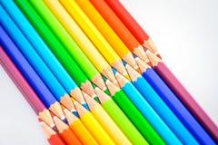 Bündel scharfe bunte Bleistifte Stockfotografie