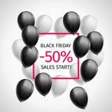 Bündel Schwarzweiss-Bälle um einen roten Rahmen mit Aufschrift Black Friday-Verkaufsstart minus 50 Prozent lizenzfreie abbildung