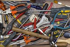 Bündel verschiedene Instrumente im Hintergrund stockbilder
