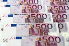 Bündel von 500 Eurobanknoten (horizontal) Stockfotos