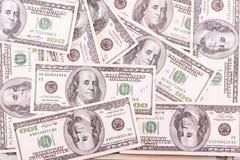 Bündel von hundert Dollarscheinen Lizenzfreie Stockfotografie