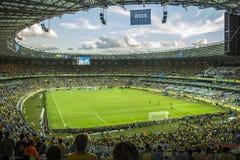 Bündnisse höhlen 2013 - Brasilien x Uruguay - Minerao-Stadion Lizenzfreie Stockfotos