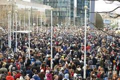 Bürger, der in Brüssel am Sonntag, den 11. Januar 2015 geht Stockfotografie