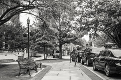 Bürgersteig in im Stadtzentrum gelegenem Huntsville Stockbilder