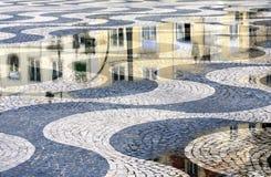 Bürgersteig in Lissabon, Portugal Lizenzfreie Stockbilder