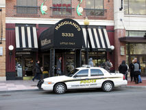 Bürgersteig wieder geöffnet an Maggiano-` s Restaurant stockfotos
