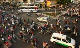 Bürgertransport durch Motorräder, Vietnam Lizenzfreie Stockfotos