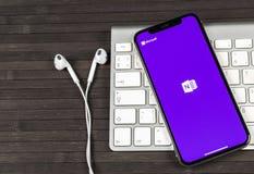 Büro-Anwendungsikone Microsofts OneNote auf Apple-iPhone X Schirmnahaufnahme Microsoft eine Anmerkungs-APP-Ikone Microsoft OneNot lizenzfreie stockbilder