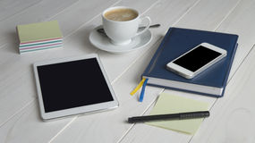 Büro-Arbeits-Ausrüstung Lizenzfreie Stockfotos