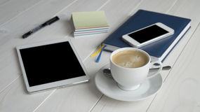 Büro-Arbeits-Ausrüstung Lizenzfreies Stockfoto