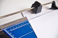 Büro-Papiertrimmer Lizenzfreie Stockfotografie
