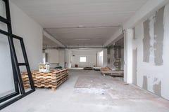 Büro-Raum ist unter Erneuerung oder im Bau lizenzfreie stockfotos