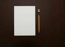 Büro-Schreibtisch-Nachrichten Lizenzfreie Stockbilder